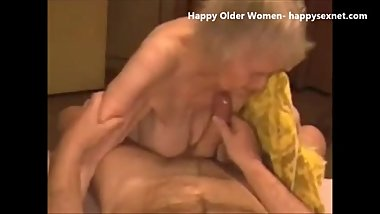 Facial on my old maid. Amateur older