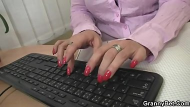 Naughty office bitch fucks employee