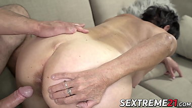Big ass granny get her pussy slammed by younger lover