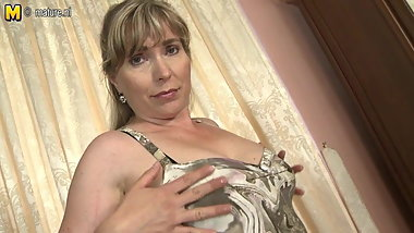 One hot sexy mature mother and wife