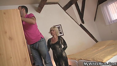 Blonde mother-inlaw seduces married guy